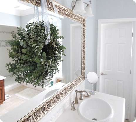Eucalyptus Wreath In Bathroom. #holiday #bathroom #decor #simple  #traditional