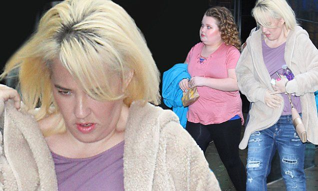 Mama June sports skinny jeans at GMA with Honey Boo Boo in tow