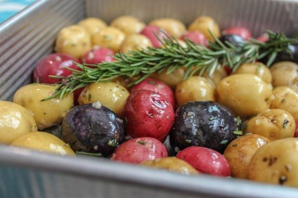 Potatoes roasted with garlic and rosemary are one of those staples that I will never get tired of. So easy to make and so tasty!