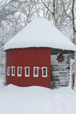 103 best images about corn crib gazebos on pinterest for Gazebo chicken coop