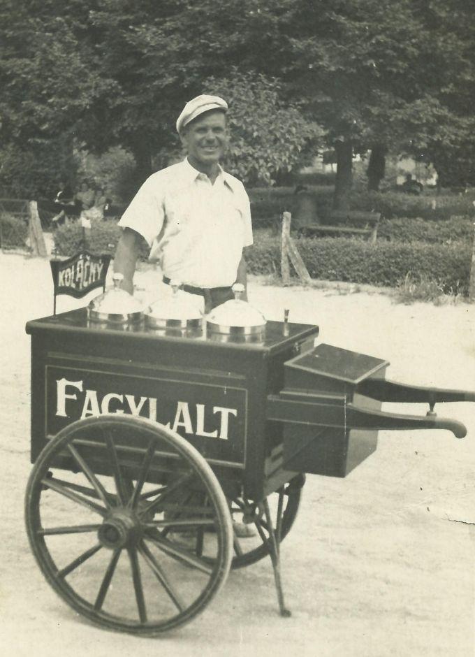 Fagylaltárus a 30-as években
