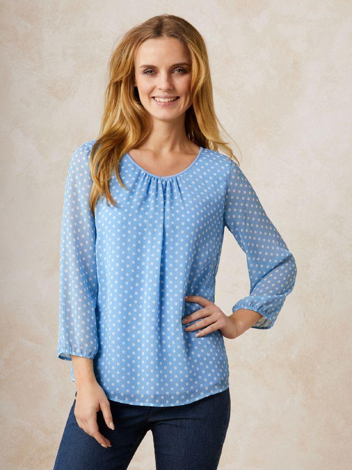 Shirtbluse 2 in 1 Plus Punkt: Mit eingearbeitetem Top. Luftig und doch blickdicht. Figurumspielend.