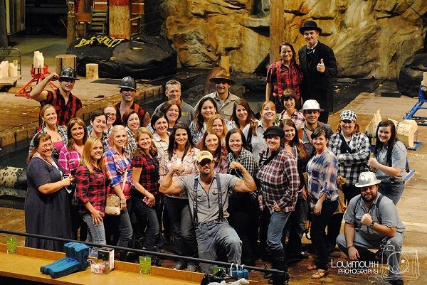 Lumberjack Feud – Hey dads!  Moms love this place, too! #brandcation