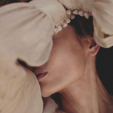 Dacă ai avut vreodată insomnii, ştii că oricum te-ai aşeza în pat n-adormi. Aşa mi-e mie sufletul acum. Oricum l-aş aşeza nu-şi află nici linişte, nici echilibru. Ileana Vulpescu,