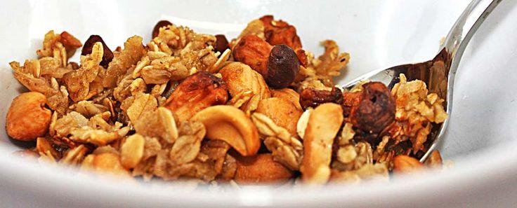 Cashew-Knuspermüsli: Luxus in der Müslischüssel!  #cashews #cereal #crunchy #breakfast #Frühstück #knackig #nussig #KERNenergie #Nussenergie #KickStart