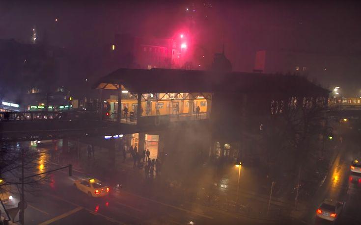 1UP - One United Power und Silvester sieht übrigens so aus wie im Video. Während der Rest der Bevölkerung in Berlin böllerte, bombte die Graffiti Crew mal eben ein Wholecar. Krasser Shice, oder?  #streetart