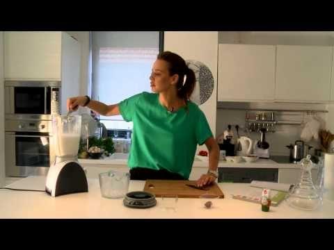Lapte de migdale: cum sa-l pregatiti fara pic de efort - Andreea Raicu