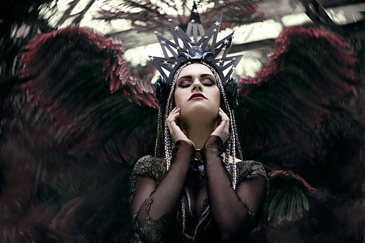 31 best Blumen Mond images on Pinterest   Gothic artwork, Gothic ...