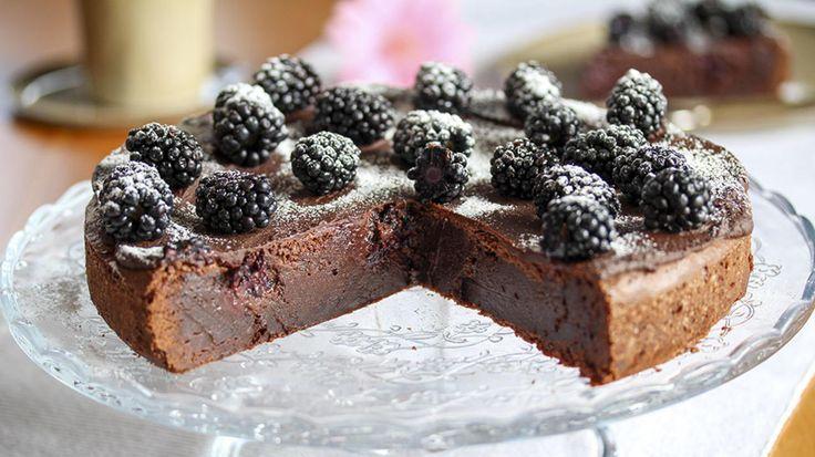 Sjokoladekake med bjørnebær