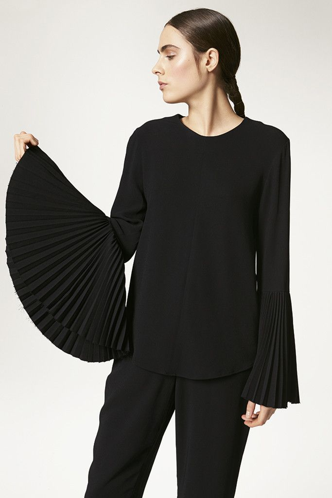 Contemporary Fashion - black top with pleated bell sleeve detail // Kaelen