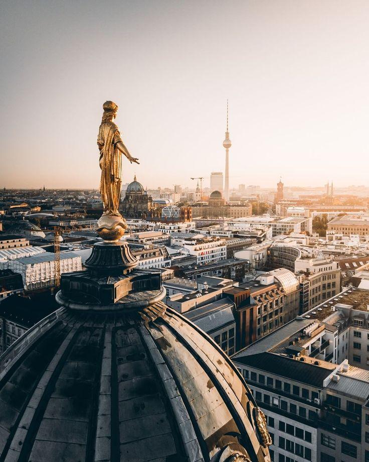 Berlin Ick Liebe Dir On Instagram 𝗕𝗘𝗥𝗟𝗜𝗡 𝗙𝗘𝗔𝗧𝗨𝗥𝗘 Die Hauptstadt Wirkt Dank Ferditakesphotos Mal Ganz Ruhig Und Friedlich Du In 2020 Reiseziele Hauptstadt Und Reisen