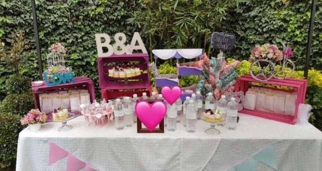 Mesa de Dulces Boda #ColoresPastel #PalomitasdeColores #Flores #palomitas #cake #BotellitasdeAgua #Vintage #Gomitas #Dulces #CandyBar