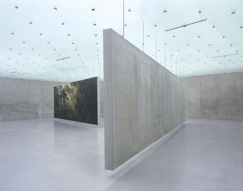 suspended wall--Kunsthaus Bregenz by Peter Zumthor