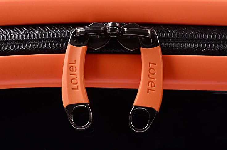 High quality zipper made in Germany.  Buy now at: http://www.lojel.nl/13-nimbus Free shipping!