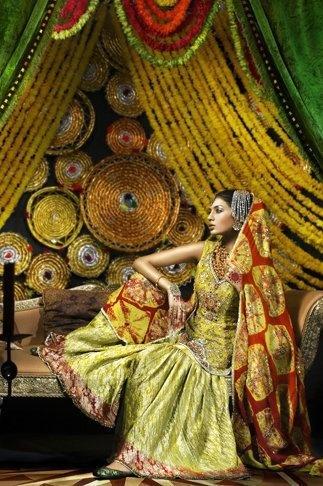 A gharara fit for a mehendi of mayoun - by Zahra Ahmad #wedding #desi #fb #shaadi