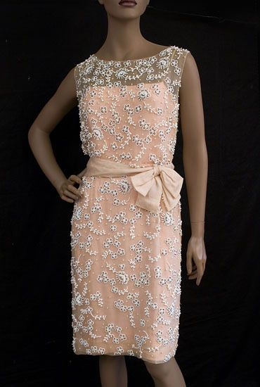 Jackie O, I don't like pink but this is cute!