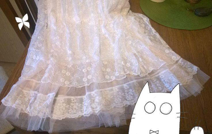 Sukienka z delikatnej koronki - w sam raz na nadchodzące lato
