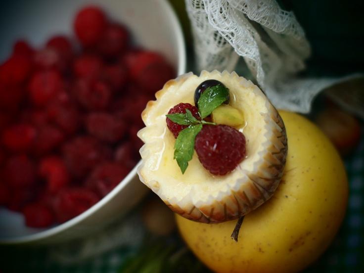 Raspberry minicheesecakes