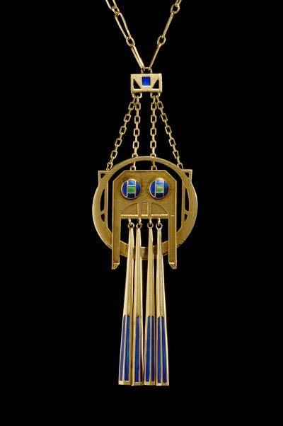 Collier, 1904 Entwurf Georg Kleemann, Ausführung Victor Mayer, Silber vergoldet, Opakemail, Schmuckmuseum Pforzheim, Foto: C. Kirchner (DTMB)