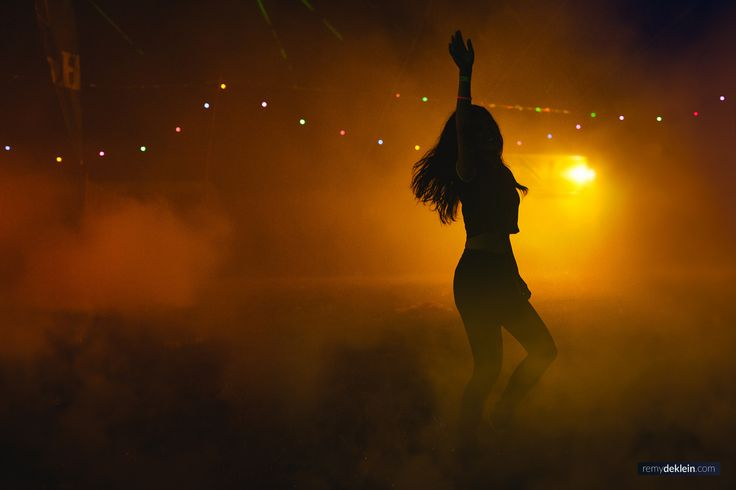 #people #photography #festivalphotography #dancing #sunset #remydeklein