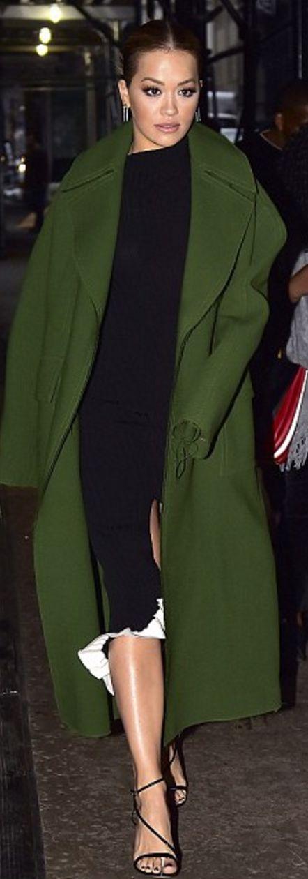 Who made Rita Ora's green coat?