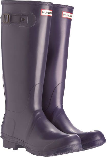 Hunter boots in aubergine - perfect for rainy days in Seattle