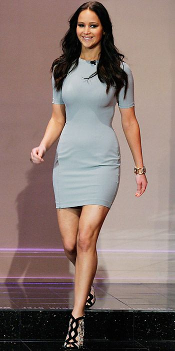 simple and fitted T by Alexander Wang dress. I want this one, bad.