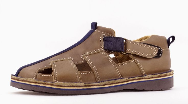Freestyle Taulo Aviator Limestone/Navy Handmade Genuine Leather Sandal. R 839. Handcrafted in Cape Town, South Africa. Code: 77201 Taulo See online shopping for sizes. Shop online https://www.thewhatnotshoes.co.za/ Free delivery within South Africa.