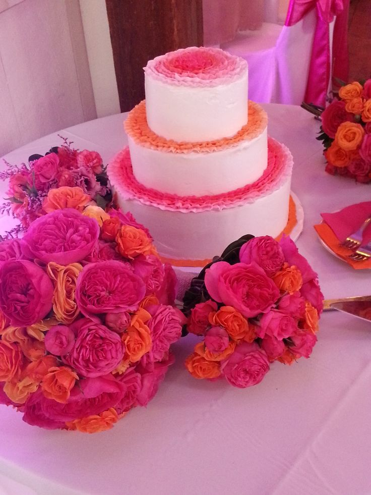 orange and hot pink wedding cake wedding cakes at barn. Black Bedroom Furniture Sets. Home Design Ideas