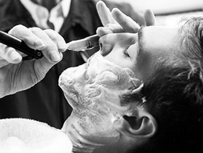 Barber shop rasoir coupe choux barbier pinterest rasoir barbier et chou - Se raser avec un coupe chou ...