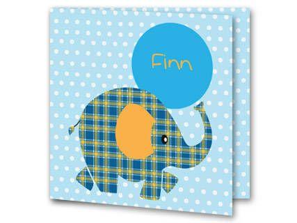 Een geboortekaartje voor een jongen met een abstract olifantje. De olifant is blauw met gele trepen. Het oor van de olifant is geel. Aan het eind van de slurf is een grote blauwe bal voor de naam van je kindje. De achtergrondkleur is lichtblauw met witte stipjes. Aan de binnenkant van het geboortekaartje is de achtergrond hetzelfde. In het midden is het olifantje geplaatst. Rechts is de grote blauwe bal geplaatst.