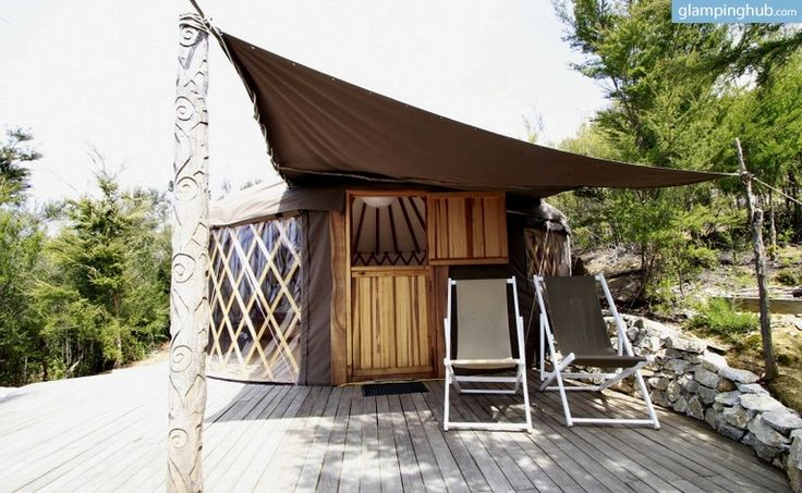 This luxury yurt in New Zealand gives guests the unusual opportunity to stay in a wildlife-encircled eco-village that is scenic and has an inviting atmosphere. This glamping site is peaceful and secluded, yet the town of Motueka is conveniently only 15 minutes away with eateries, shops, bars, and more. From the deck of this eco-yurt, guests will enjoy stunning views of the river valley and the Tasman Bay, and they will be able to gaze up at the stars at night through the fantastic skylight…