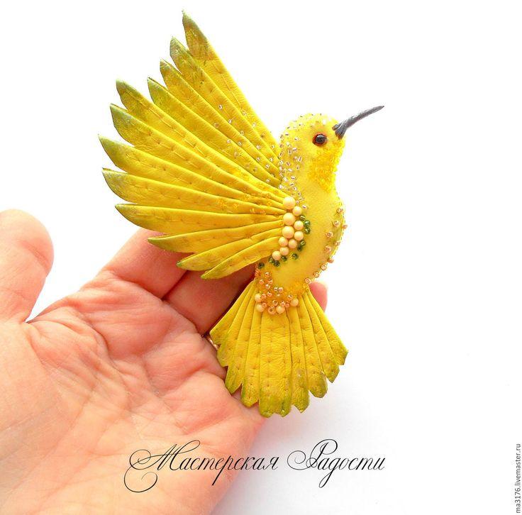 """Купить Брошь""""Очаровашка"""" Птица-колибри. Украшения. - лимонный, желтый, светло-желтый, желто-зеленый"""