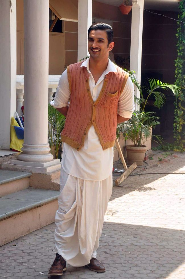 Sushant Singh Rajput aka Detective Byomkesh Bakshy on the ...