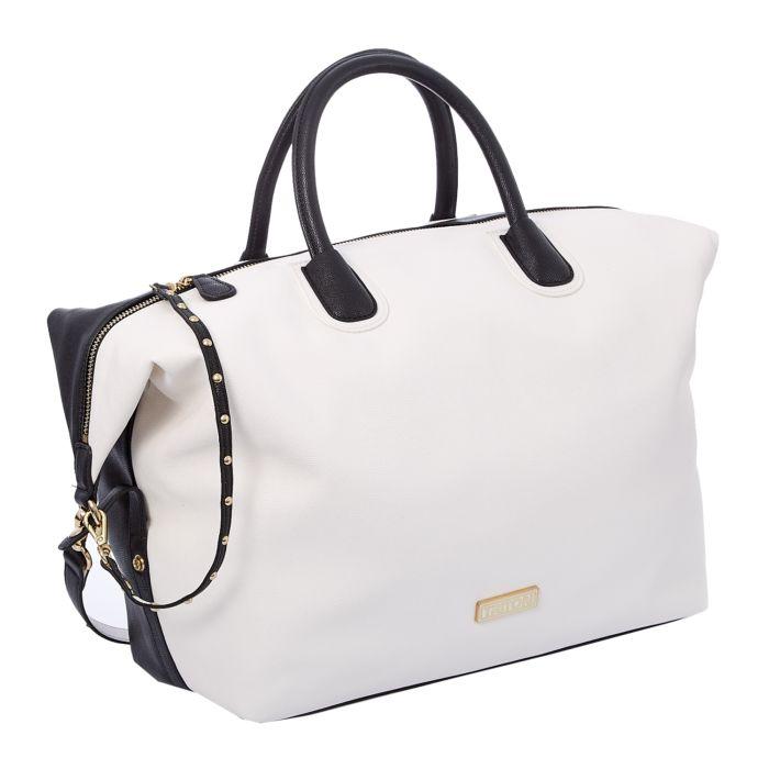 Ενσάρκωση της Carrie ή όχι, το πιο πιθανό είναι πως, μία, κάποια, οποιαδήποτε τσάντα, θα την έχεις. Γιατί, η τσάντα για τη γυναίκα είναι φετίχ...
