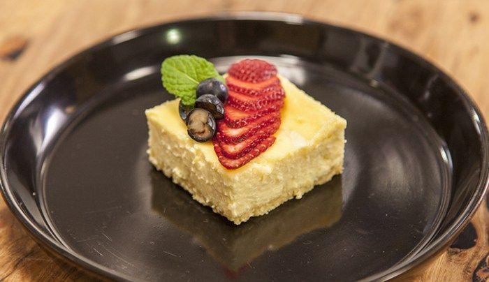 Baked Lemon Cheesecake - Good Chef Bad Chef