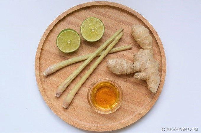 Zo maak je Citroengras gember thee. Lees het recept op mevryan.com, lekker Aziatisch koken #citroengras #gember #kruiden #thee #griep #verkoudheid #recepten