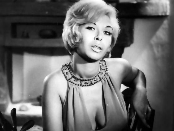 Ρία Δελούτση: Η Σταρ Ελλάς του 1961 όπου έπαιξε σε 32 ταινίες (βίντεο)