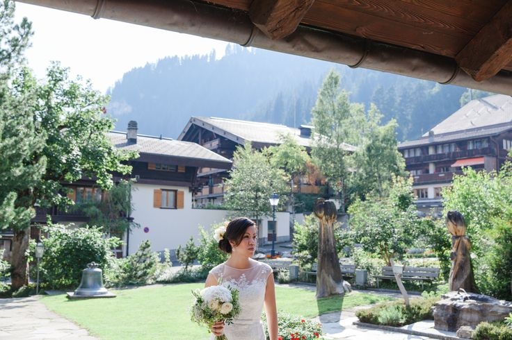 Bridal - wedding in Switzerland - wedding planner: Laura Dova Weddings - www.lauradovaweddings.com Photography by Lucia Fatima Photography
