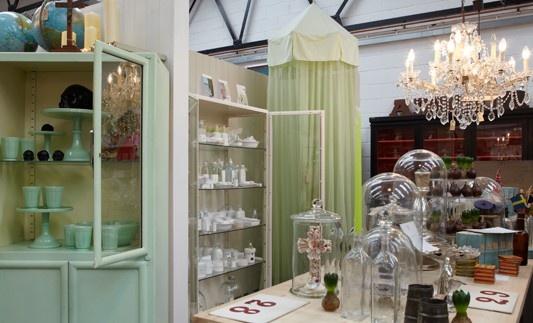 Good Display: Gorgeous Display, Glasses Belle, Marketing Display, Shops Display, Display Ideas, Stores Display, Fabulous Treasure