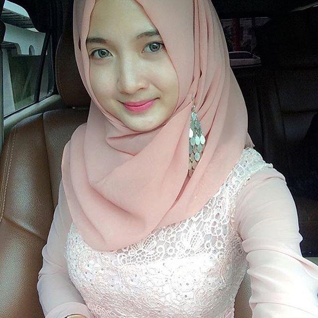 Anggunnya si cantik @vingkananggraini #bbmme #bbmqrcode #jilbab #jilbaber #hijaber #jilboobs #hijaboobs #montok #cantik #imut #igo #hot #cute #wanita #gadis #hijabsexy #toge #hijabtoge #puting  #jilboobhot #hijabhot buat gadis2 yang ingin di share silahkan dm foto kalian