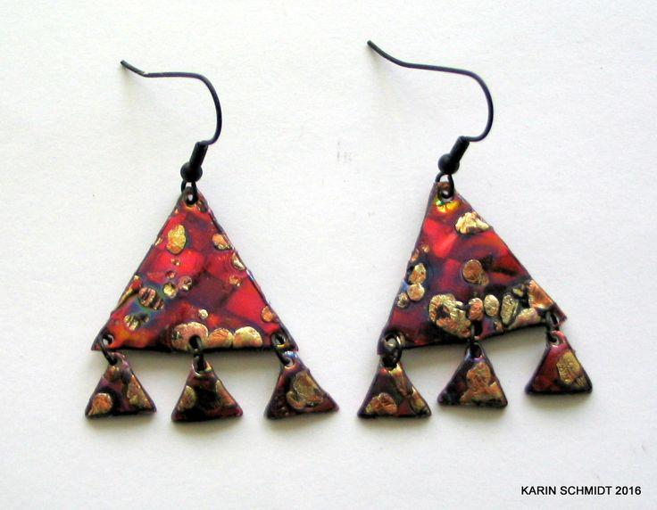 Øreringe. Dangle earrings. Friendly plastic.