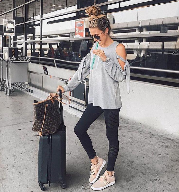 """2,029 curtidas, 6 comentários - Zara Community (@zara__europe) no Instagram: """"Simple & comfy"""""""