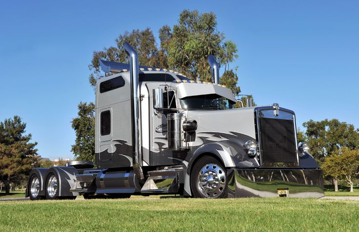 Custom Kenworth W900l The Truck S Exterior Features Many Custom Built
