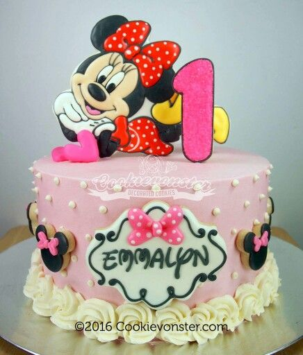 Minnie Cookie Cake