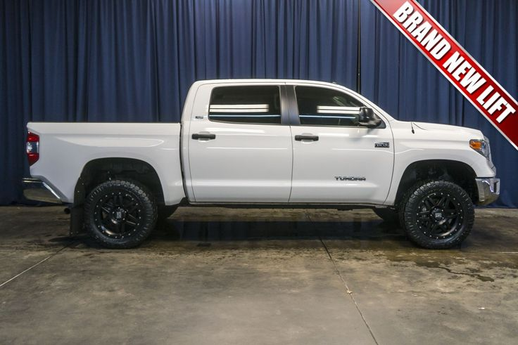 25 best ideas about toyota tundra for sale on pinterest toyota trucks for sale toyota 4x4. Black Bedroom Furniture Sets. Home Design Ideas