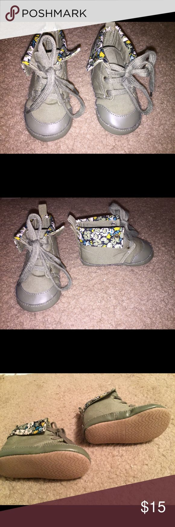 Baby Gap shoes! Adorable green baby shoes!! Gap Shoes Boots