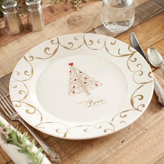 Tasteful Christmas plate. Slightly more serious. & 47 best Christmas dinnerware images on Pinterest | Christmas ...