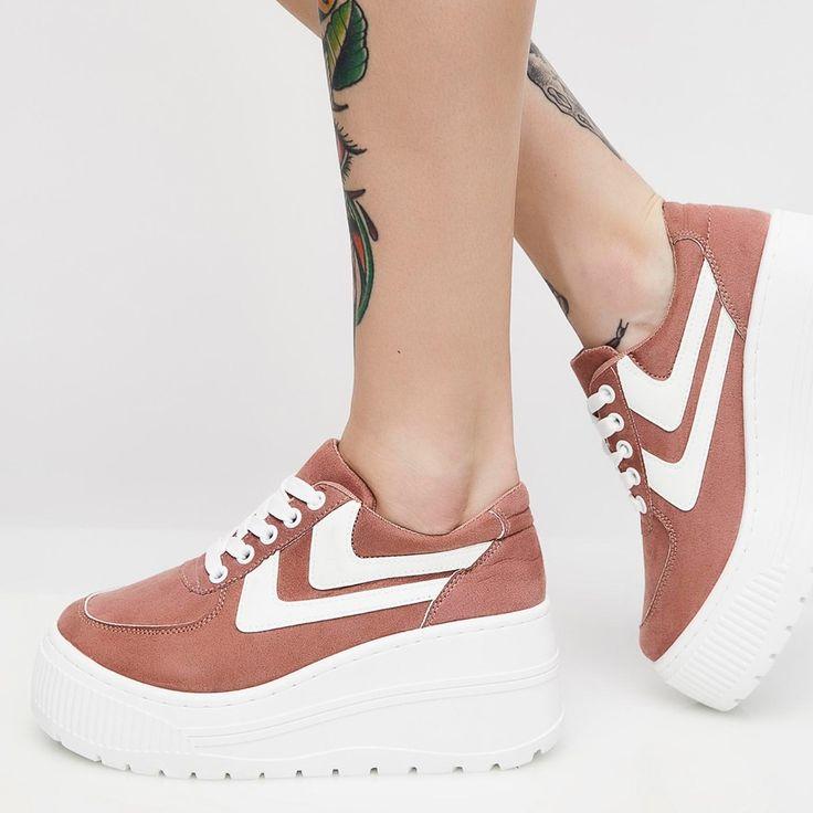 Pin de Júlia Carvalho Pereira em Sapatos em 2020 | Sapatos
