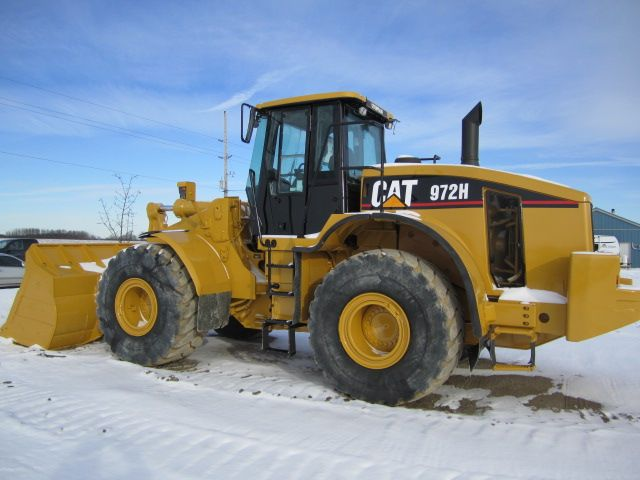 An Introduction to Caterpillar Equipment.Caterpillar 972H wheel loader